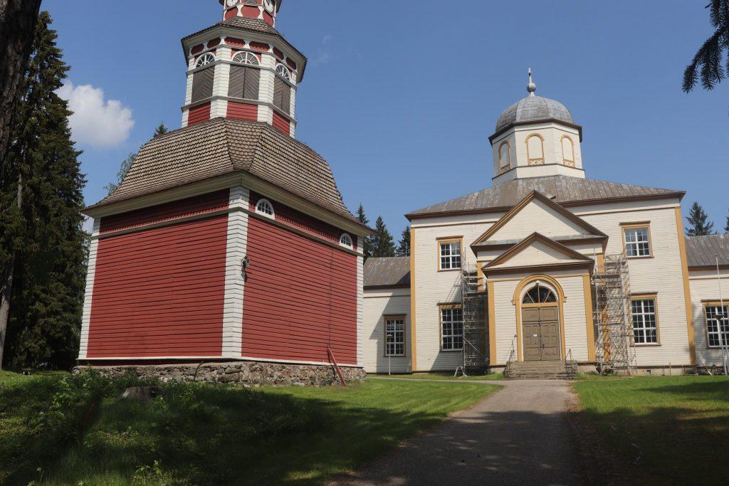 Kesäopastukset Sulkavan kirkko ja kirkkopiha
